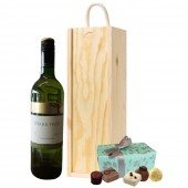Drinking Gifts Australian White Wine and Chocolates (2560)